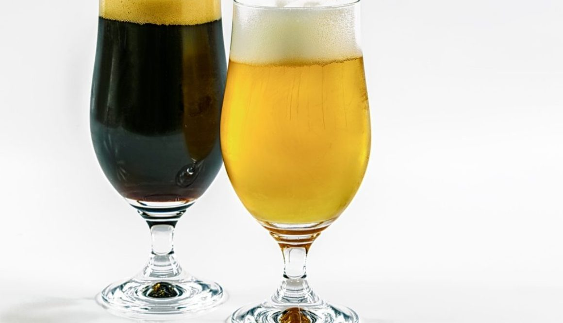 При заказе бокала пива, второй — в подарок